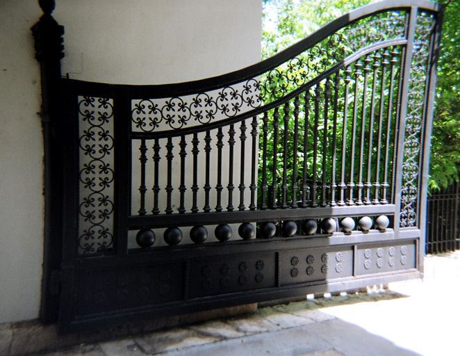 Bombay steel fabricator fancy gates